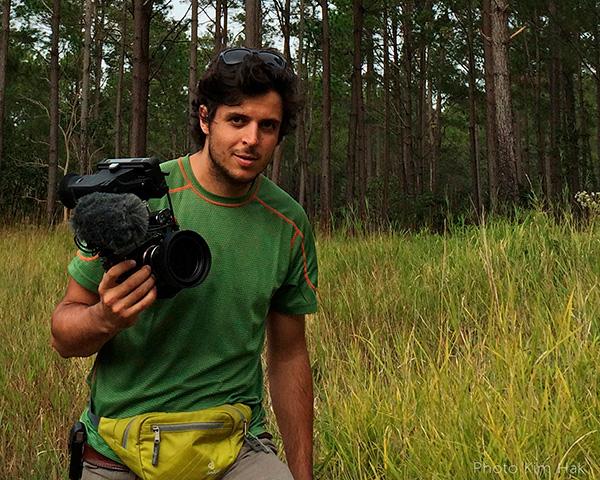 Alexander Fontana con videocamera
